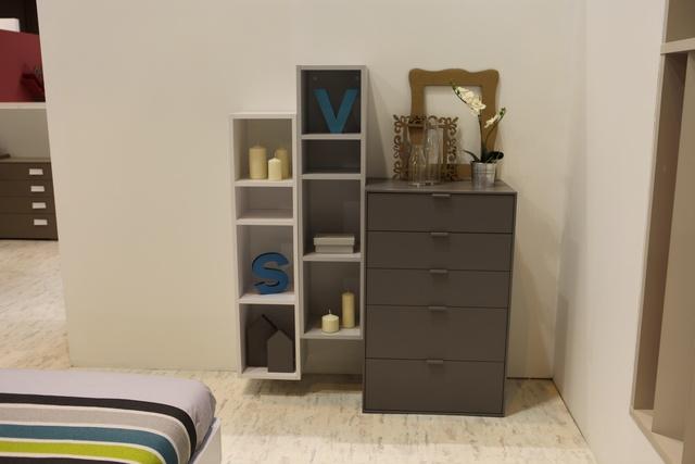 amueblar habitacion con muebles de carton