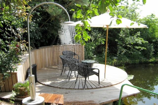 Disfrutar de una ducha de exterior - Ducha en la terraza ...